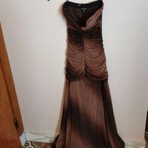 New. Beautiful long dress size XXS